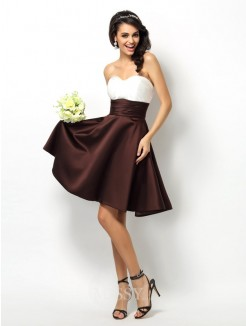 A-Line/Princess Sleeveless Sweetheart Pleats Short/Mini Satin Bridesmaid Dresses