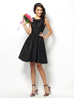 A-Line/Princess Bateau Sleeveless Pleats Short/Mini Taffeta Bridesmaid Dresses