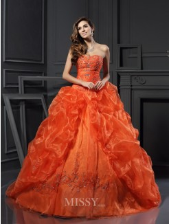 Ball Gown Sleeveless Sweetheart Beading Applique Court Train Organza Dresses