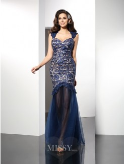 Trumpet/Mermaid Sleeveless Sweetheart Lace Sweep/Brush Train Net Dresses