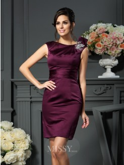 Sheath/Column Sleeveless Satin Scoop Knee-Length Beading Dresses