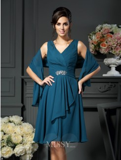 A-Line/Princess Sleeveless V-neck Chiffon Beading Knee-length Mother of the Bride Dress