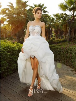 A-Line/Princess Sweetheart Asymmetrical Sleeveless Beading Organza Wedding Dress
