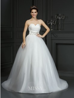 Ball Gown Sweetheart Beading Sleeveless Court Train Net Wedding Dresses