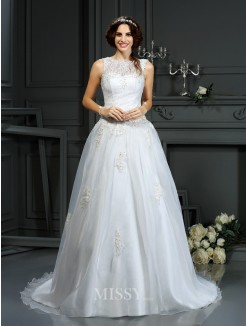 A-Line/Princess Sleeveless Scoop Applique Net Court Train Wedding Dresses