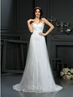 A-Line/Princess Sleeveless Sweetheart Pleats Net Court Train Wedding Dresses
