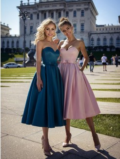 A-Line/Princess Satin Bowknot Sweetheart Sleeveless Tea-Length Short Dresses