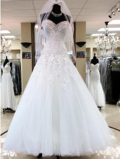 Sleeveless Ball Gown Sweetheart Applique Tulle Floor-Length Wedding Dresses