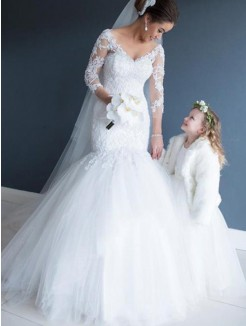 Trumpet/Mermaid 3/4 Sleeves Tulle Lace Court Train V-neck Wedding Dresses
