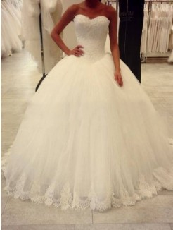 Ball Gown Sweetheart Sleeveless Applique Sweep/Brush Train Organza Wedding Dresses