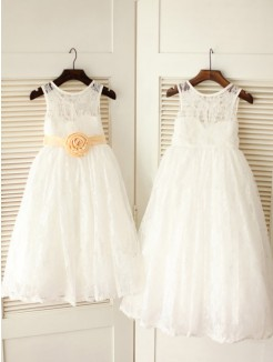 A-line/Princess Scoop Sleeveless Sash/Ribbon/Belt Floor-length Lace Dresses